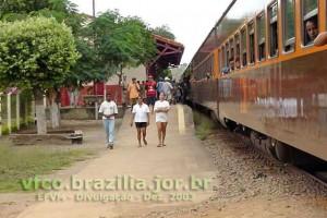 estação ferroviária em Tumiritinga