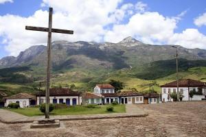 CATAS ALTAS pelo Caminho Religioso tem a Matriz de Nossa Senhora da Conceição